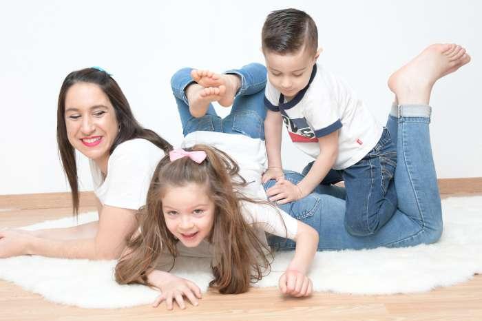 famille-studio-maman-enfant